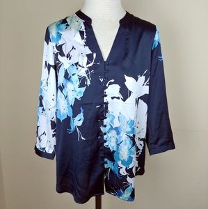 NWT The Limited Navy Floral Silky Blouse. Small